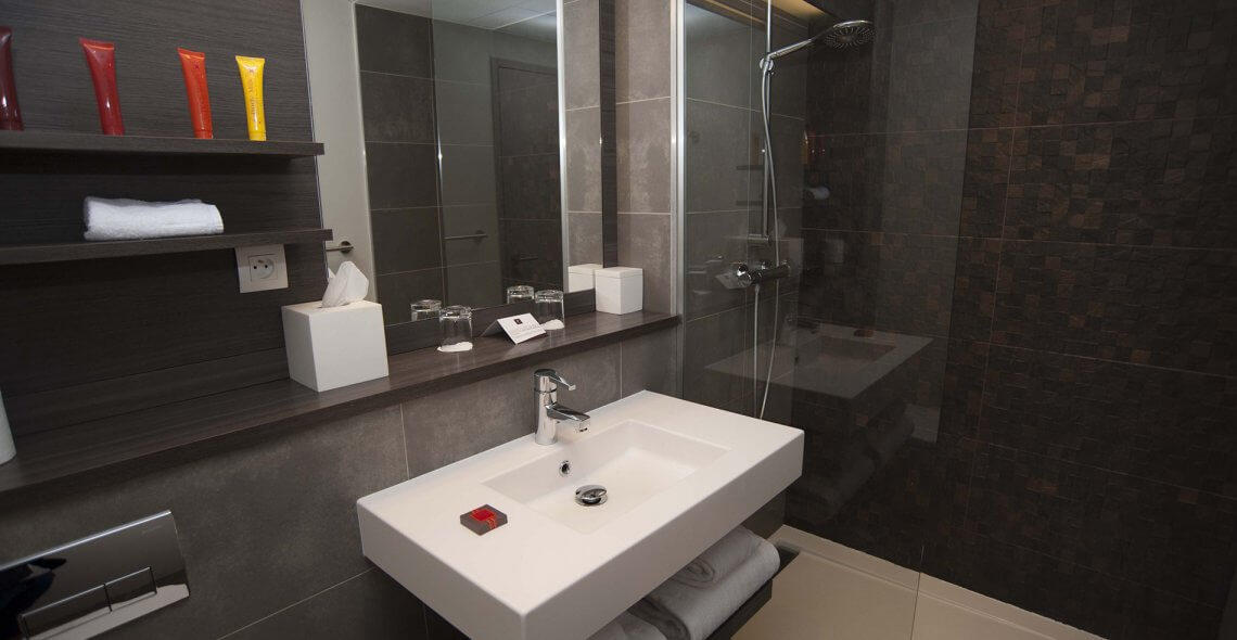 familiale classique h tel villa saxe eiffel paris. Black Bedroom Furniture Sets. Home Design Ideas
